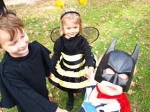 Batman - Finn and Maysa the Bumblebee